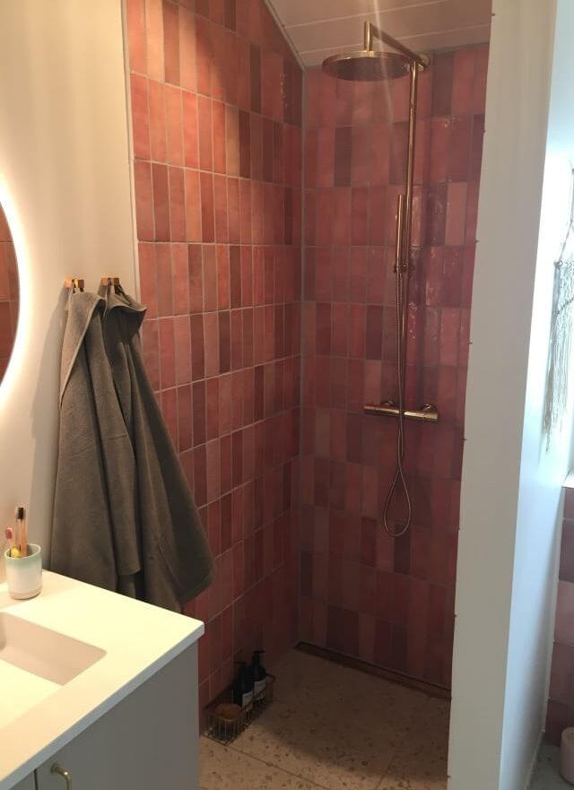 indretning badeværelse brusearmatur