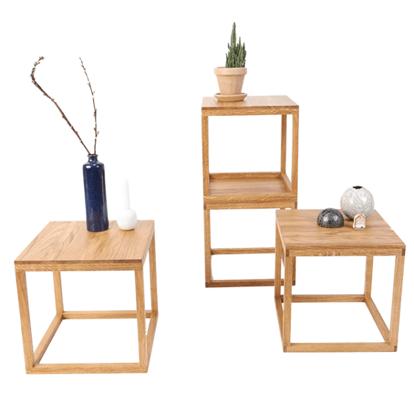 plantebord med planter og vaser