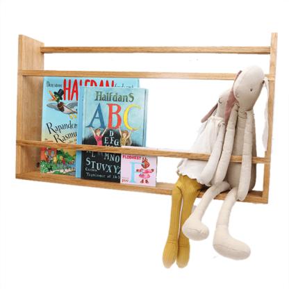 tallerkenrække med bamser og bøger